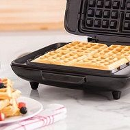 Best 5 Square Waffle Makers & Irons You Can Buy In 2020 Reviews