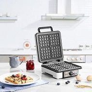 Top 5 Big & (Extra) Large Waffle Makers To Buy In 2021 Reviews